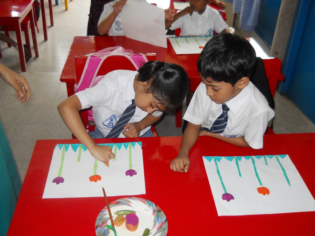 Innovation class on vegetable print  Class-Kindergarten